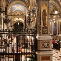 Scambio di pace tra Mons. Marcel e don Pierantonio