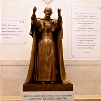 Statua del Beato Paolo VI