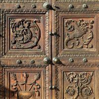 Porta lignea del XV secolo