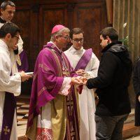 Offerta del pane e del vino per la celebrazione eucaristica