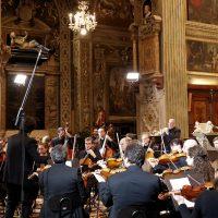 L'orchestra formata per lo più da giovani