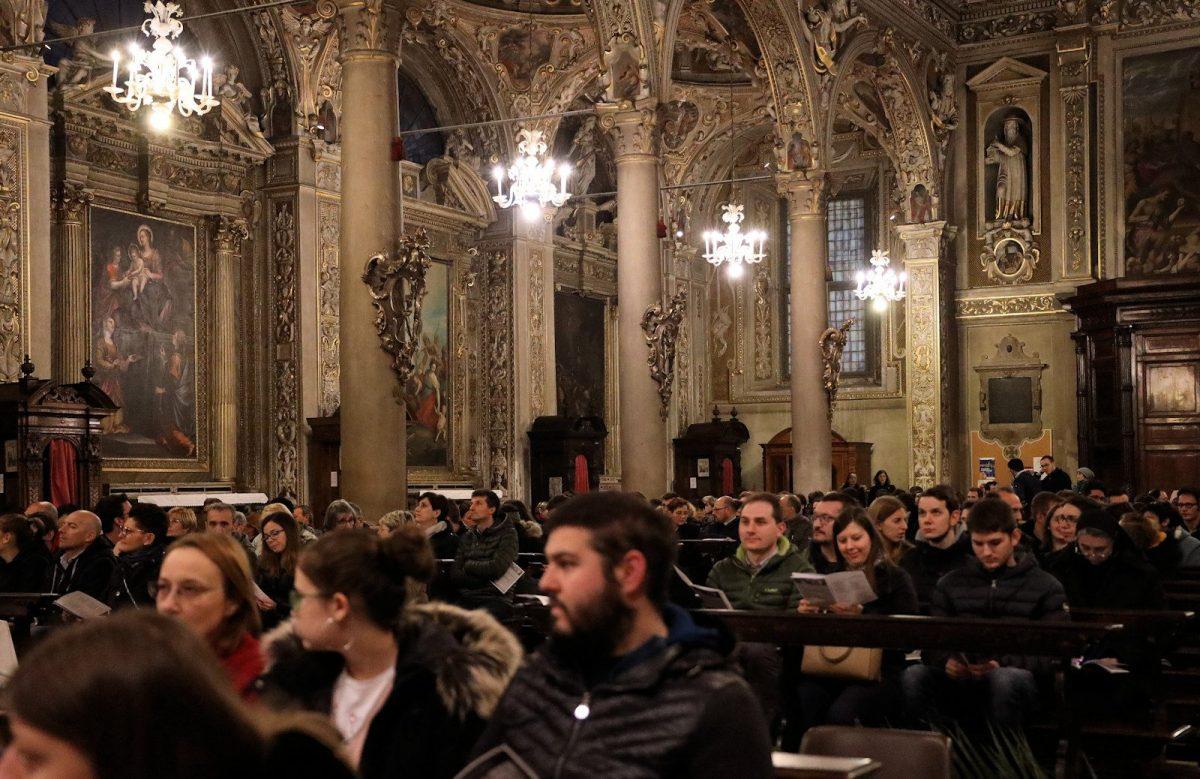 S. Messa celebrata da Mons. Mario Piccinelli, Rettore del Santuario