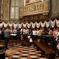 Il coro che ha guidato i canti