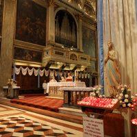 Un momento della Messa celebrata dal Rettore