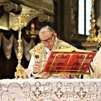 Il Vescovo Mons. Olmi e il concelebrante don Giuseppe Piccoli