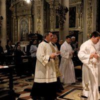 Ingresso del Vescovo e dei ministranti
