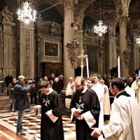 L'inchino all'altare dei ministranti (Cavalieri di Malta)