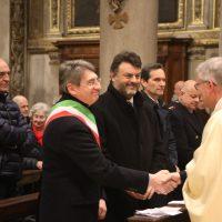 Scambio di pace tra il Vescovo e il Sindaco di Brescia