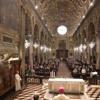 La Basilica con i numerosi fedeli