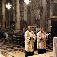 Momento iniziale della preghiera