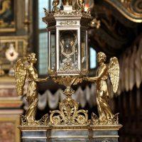 Uno dei reliquiari esposti per la Festa dei Santi