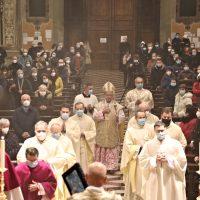 Processione iniziale del solenne Pontificale