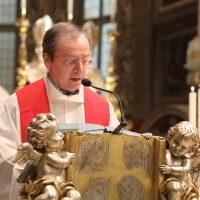 Don Claudio Zanardini, Rettore del Santuario, propone la riflessione sul brano del Vangelo (Gv 19,25-27)