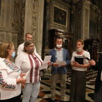 Un canto mariano eseguito dalla Comunità Cattolica Ucraina