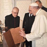 Il Messale viene donato al Santuario delle Grazie