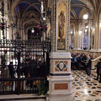 Momento di preghiera nel Santuario