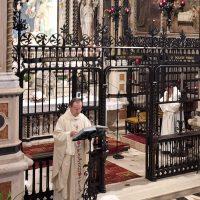 S. Messa presieduta dal Rettore Don Claudio Zanardini e concelebrata da Don Gianluca Mangeri, Cappellano della Poliambulanza