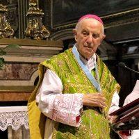 """A Mons. Bruno viene consegnato il medaglione della """"Confraternita Amici del Santuario"""""""