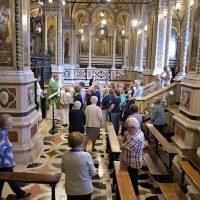 Momento della S. Messa in Santuario