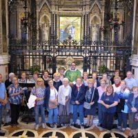Foto di gruppo davanti alla Sacra Immagine