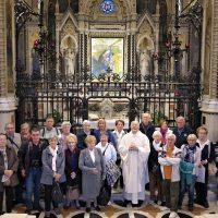 Il gruppo dei pellegrini davanti alla Sacra Immagine