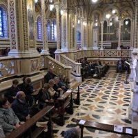I pellegrini durante la S. Messa in Santuario