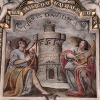 8. Turris davidica - Torre di Davide (Cantico 4,4)